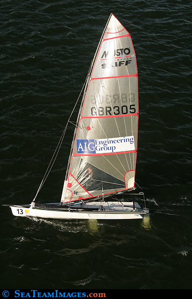 Musto Performance Skiff