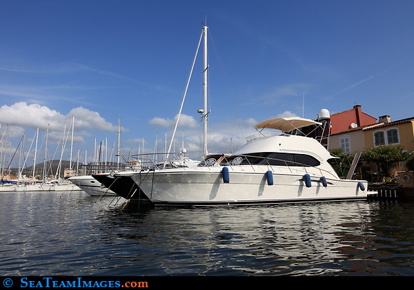 Riveira Flybridge 42