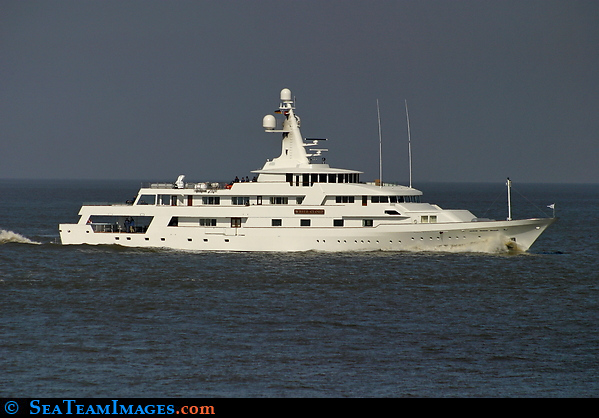 Motor Yacht White Cloud
