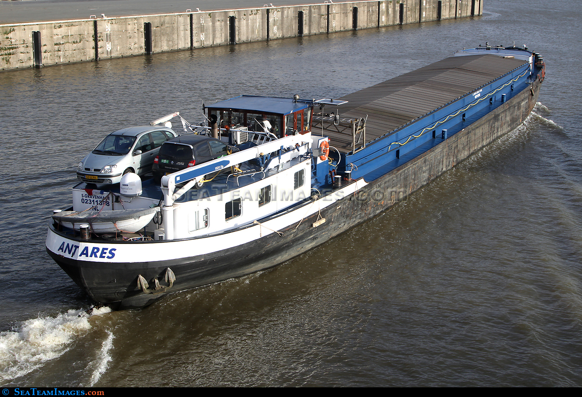 delivery barge Antares